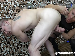 Horny granny wants to measure her fucking skills to her horny neighbor