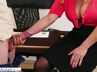 Chunky bottomed teacher with huge boobs Tyler Faith gets intimate with one of horny students